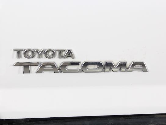 2015 - TOYOTA - TACOMA,
