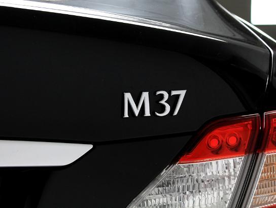 2013 - INFINITI - M37,