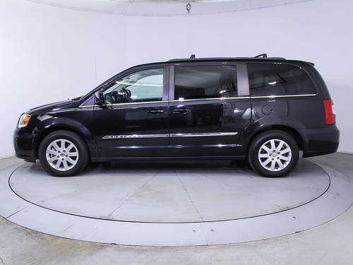 Used CHRYSLER TOWN AND COUNTRY 2014 MIAMI TOURING