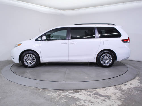 Used TOYOTA SIENNA 2012 HOLLYWOOD Xle