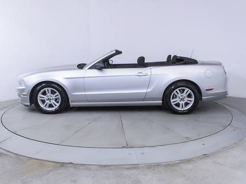 Used FORD MUSTANG 2013 MIAMI