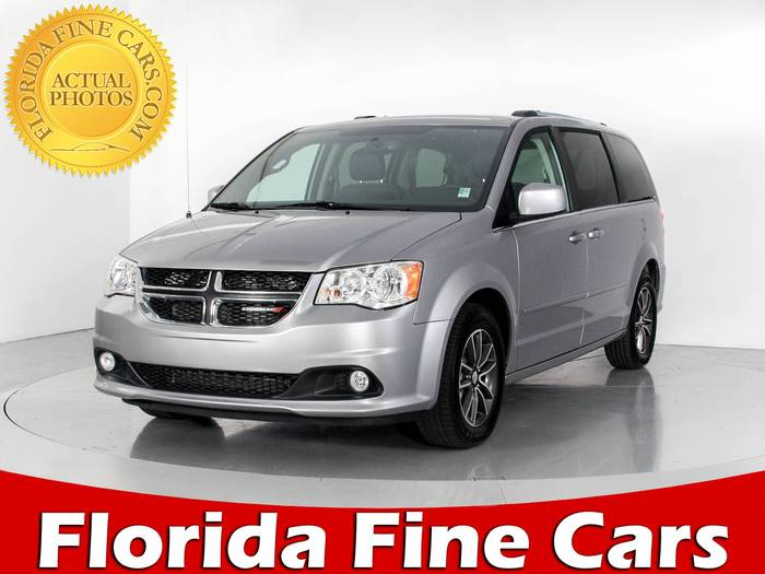Used DODGE GRAND CARAVAN 2017 WEST PALM SXT