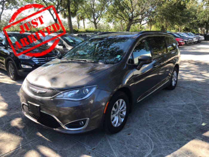 Used CHRYSLER PACIFICA 2017 WEST PALM TOURING L