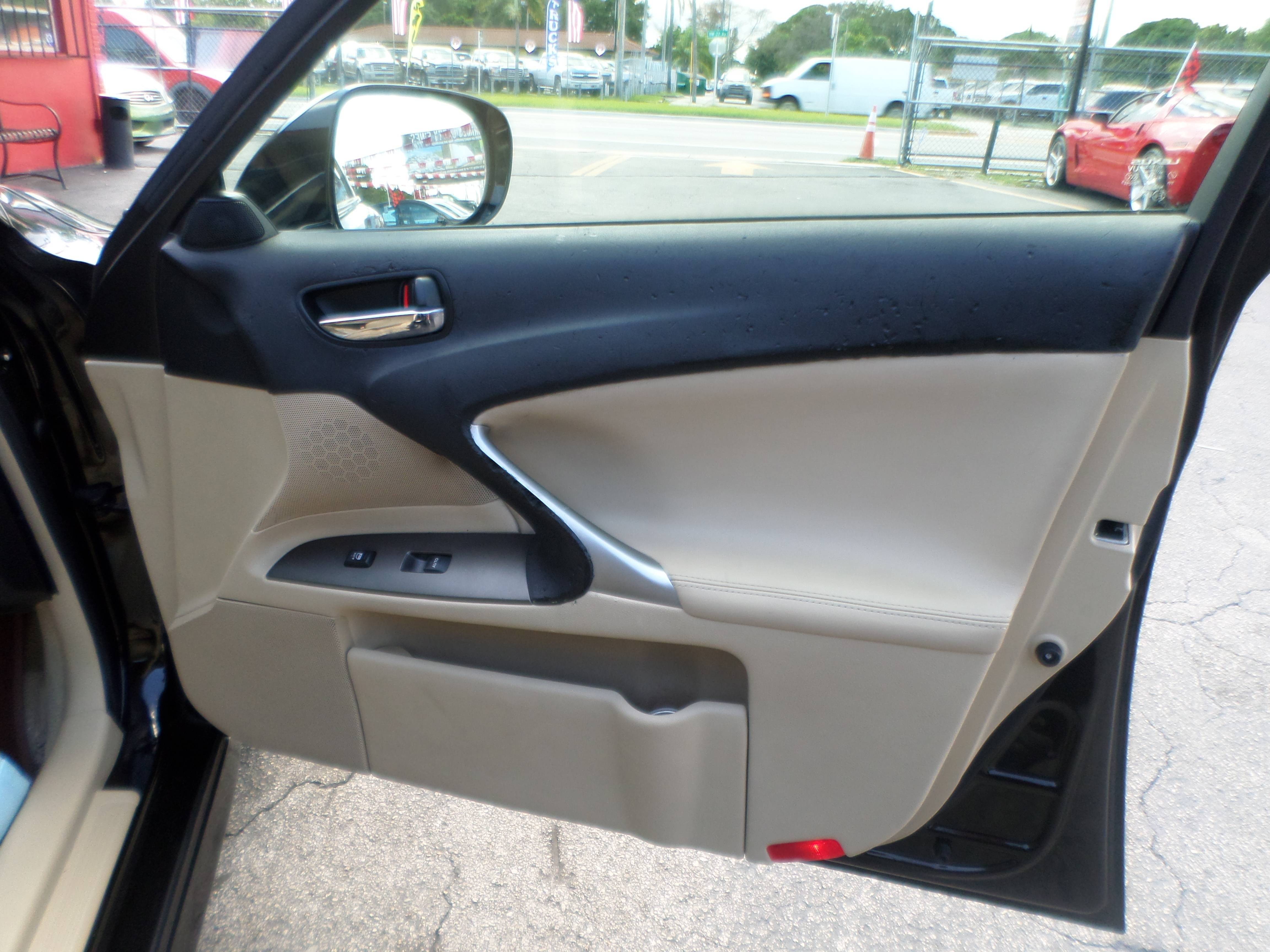 2007 Lexus IS, IS 250 6-Speed Manual
