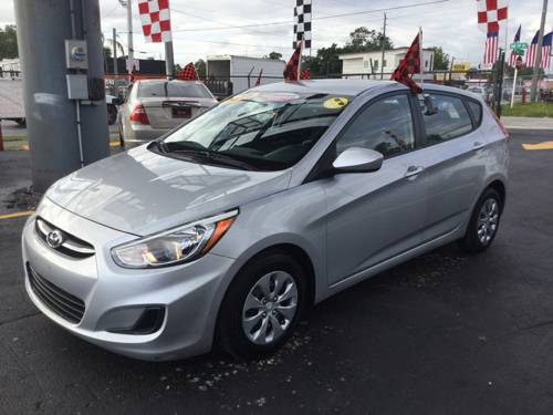 2015 HYUNDAI ACCENT, GS; SE