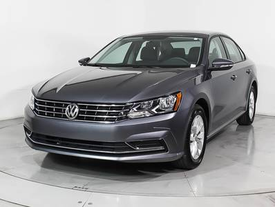 Used VOLKSWAGEN PASSAT 2018 HOLLYWOOD S