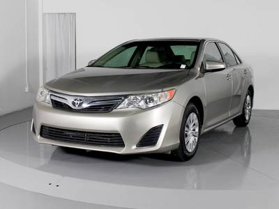Used TOYOTA CAMRY 2013 MARGATE Le