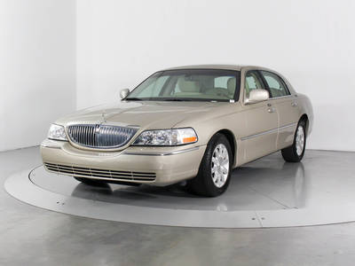 Used LINCOLN TOWN-CAR 2011 WEST PALM SIGNATURE LIMITED
