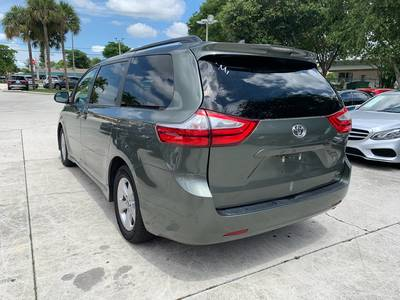 Used TOYOTA SIENNA 2018 WEST PALM Le