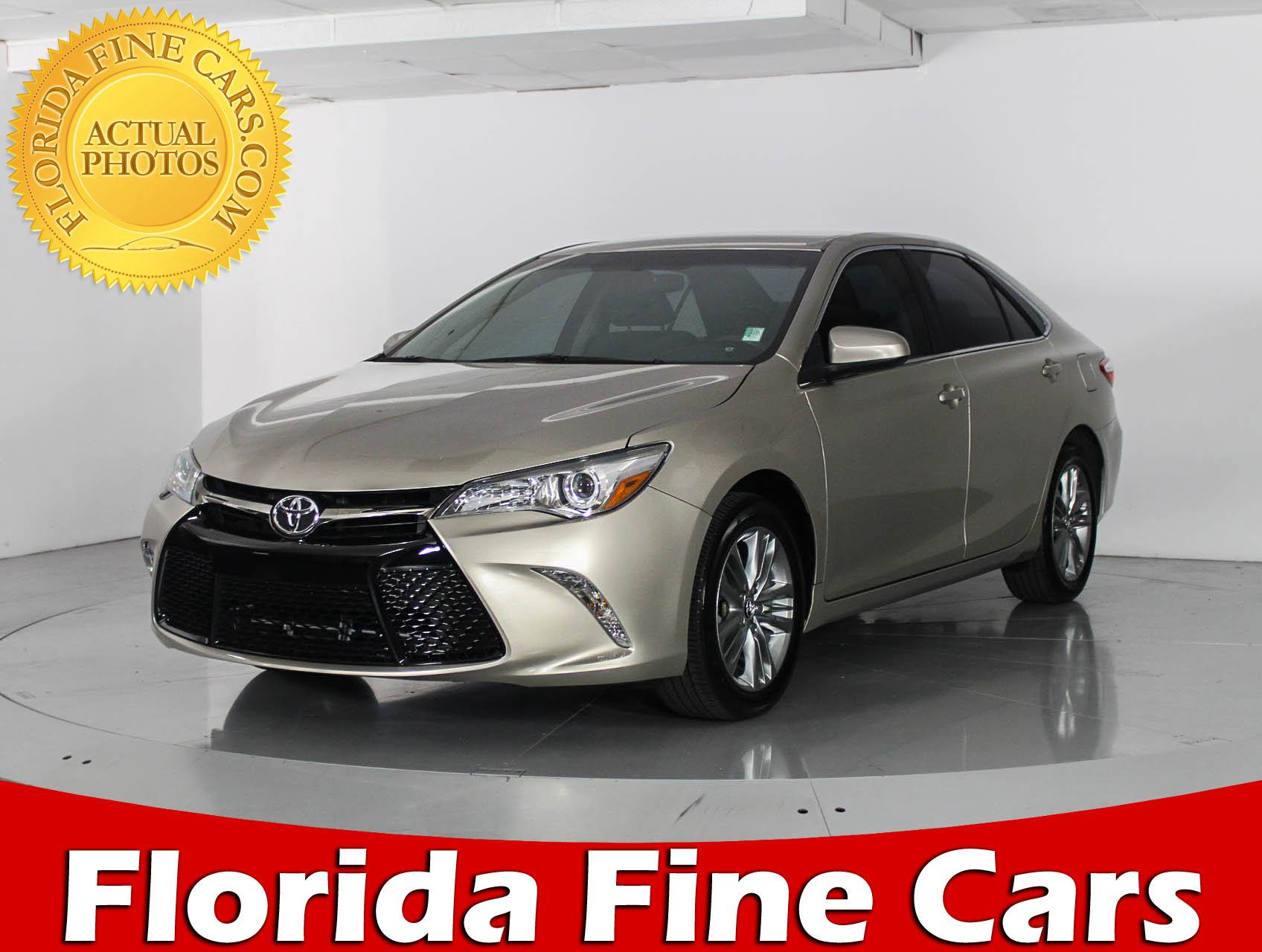 Used 2016 TOYOTA CAMRY SE Sedan for sale in WEST PALM FL
