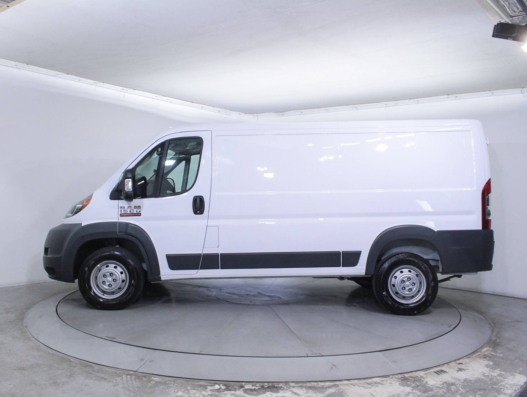 used 2017 ram promaster 1500 low roof 136wb cargo van for sale in miami fl 86822 florida. Black Bedroom Furniture Sets. Home Design Ideas