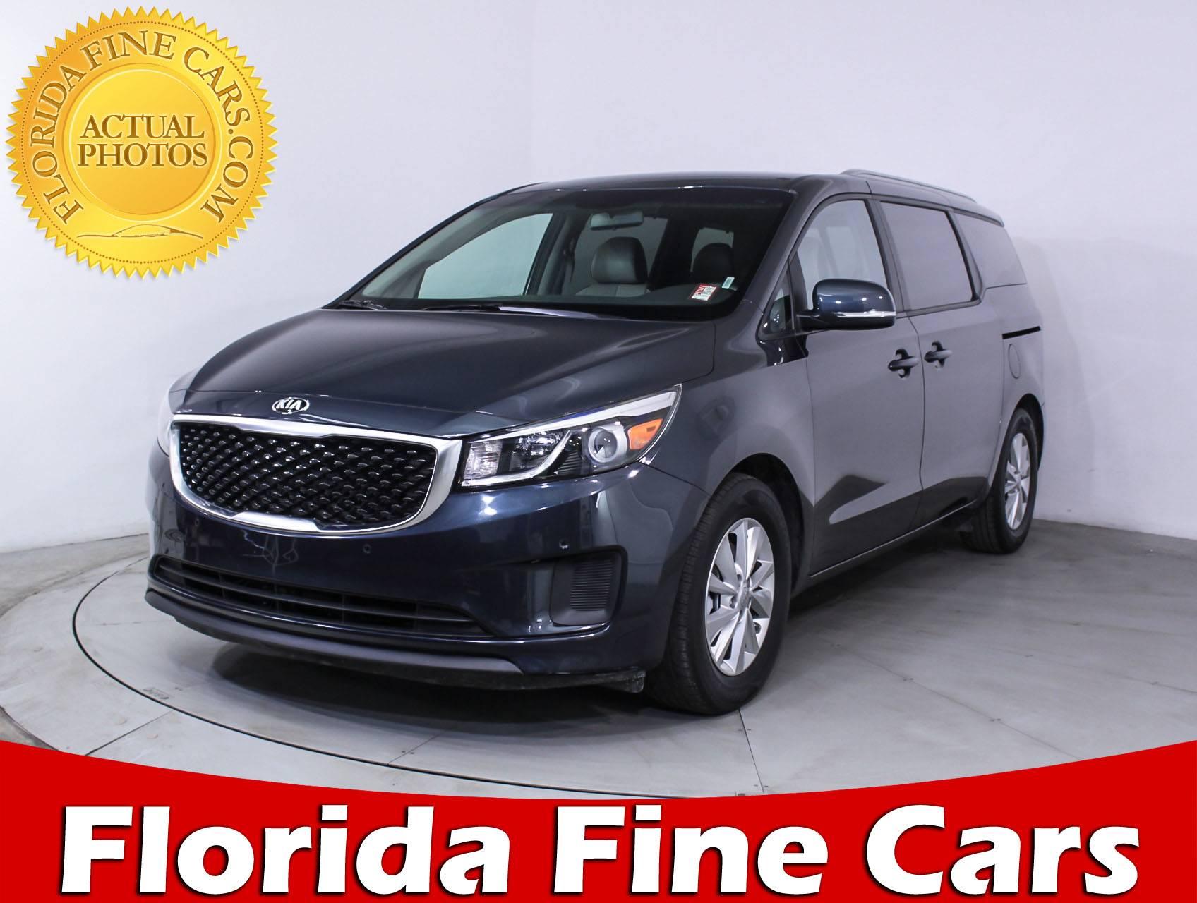 Used 2017 KIA SEDONA Lx Minivan for sale in MIAMI FL