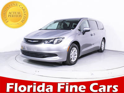 Used CHRYSLER PACIFICA 2017 HOLLYWOOD TOURING