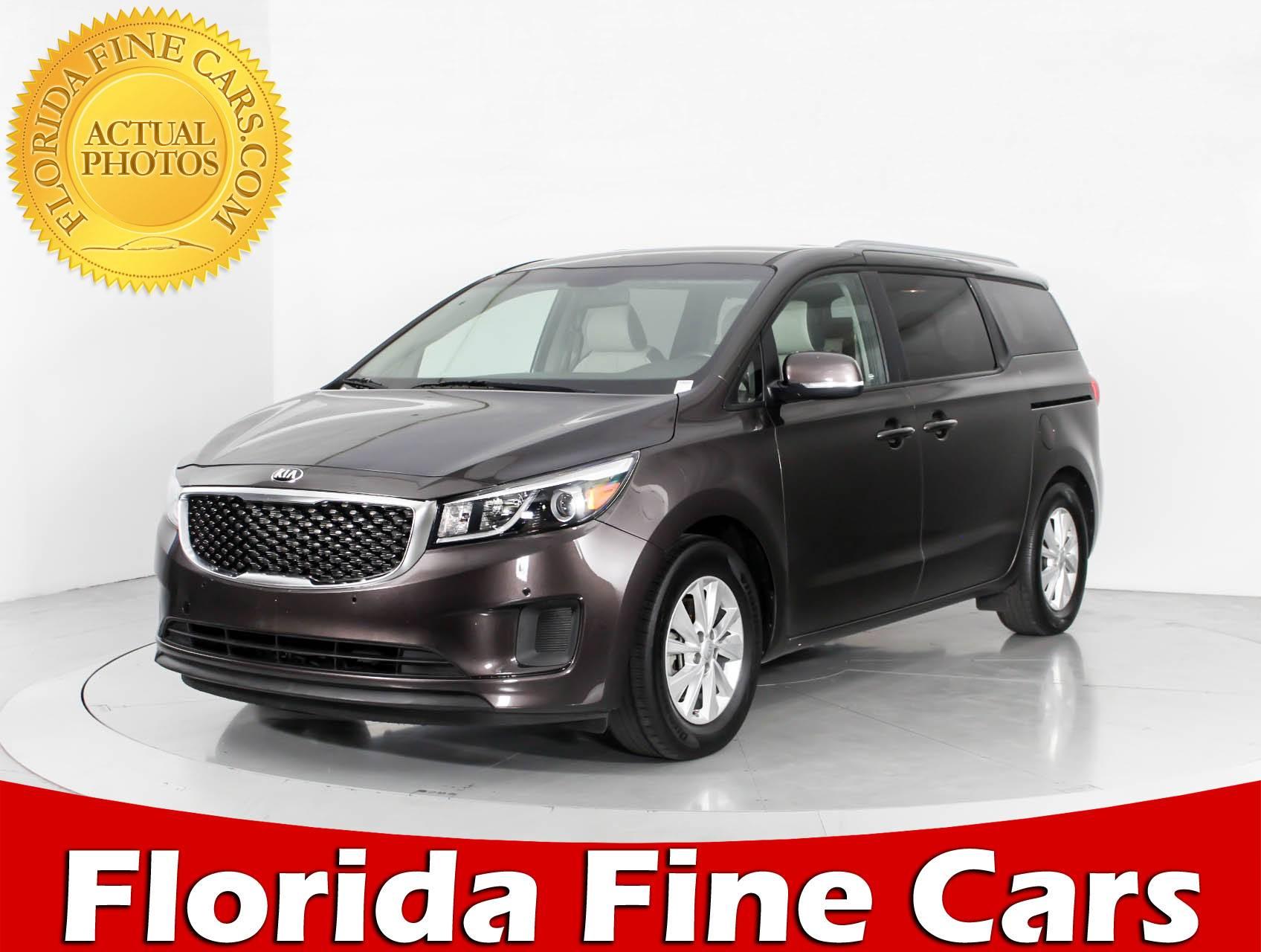Used 2017 KIA SEDONA Lx Minivan for sale in WEST PALM FL