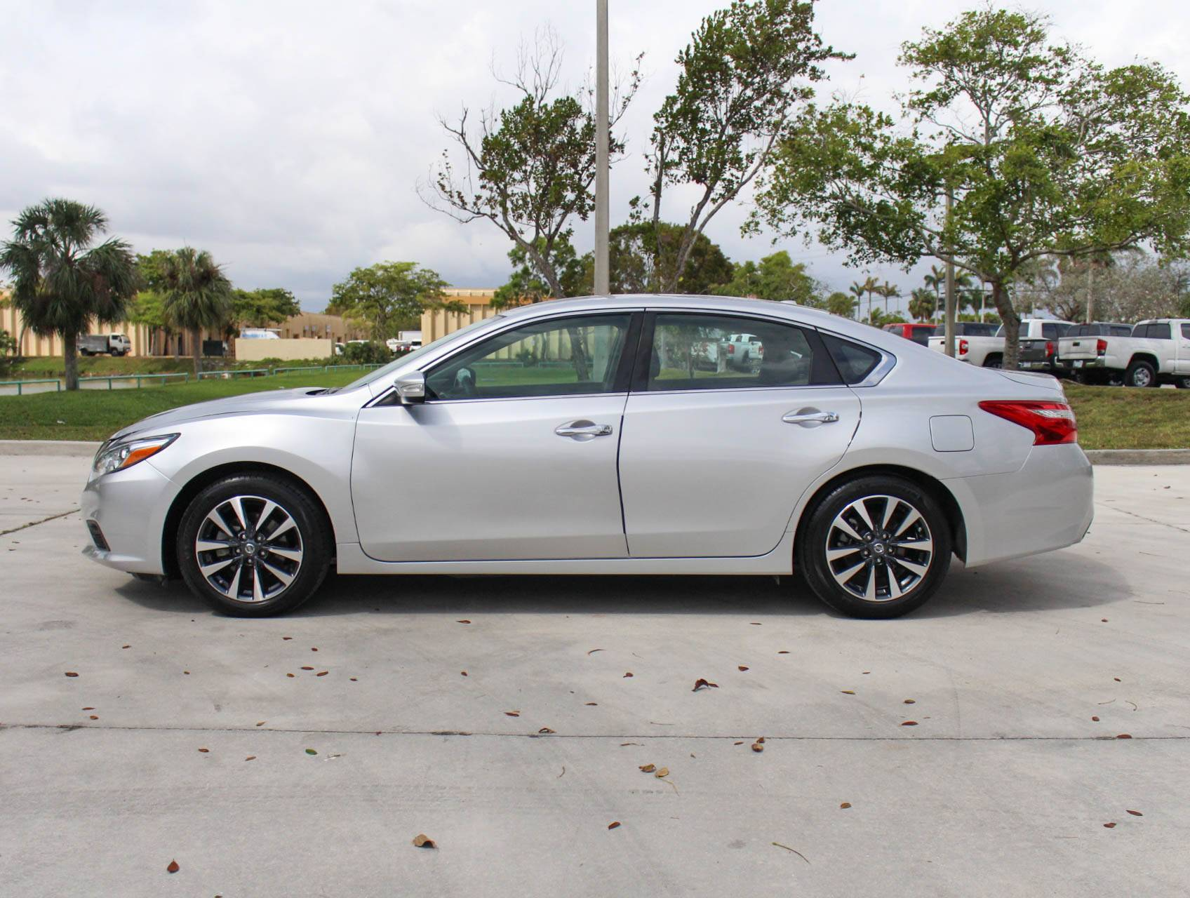 Used 2017 NISSAN ALTIMA Sl Sedan for sale in MARGATE FL