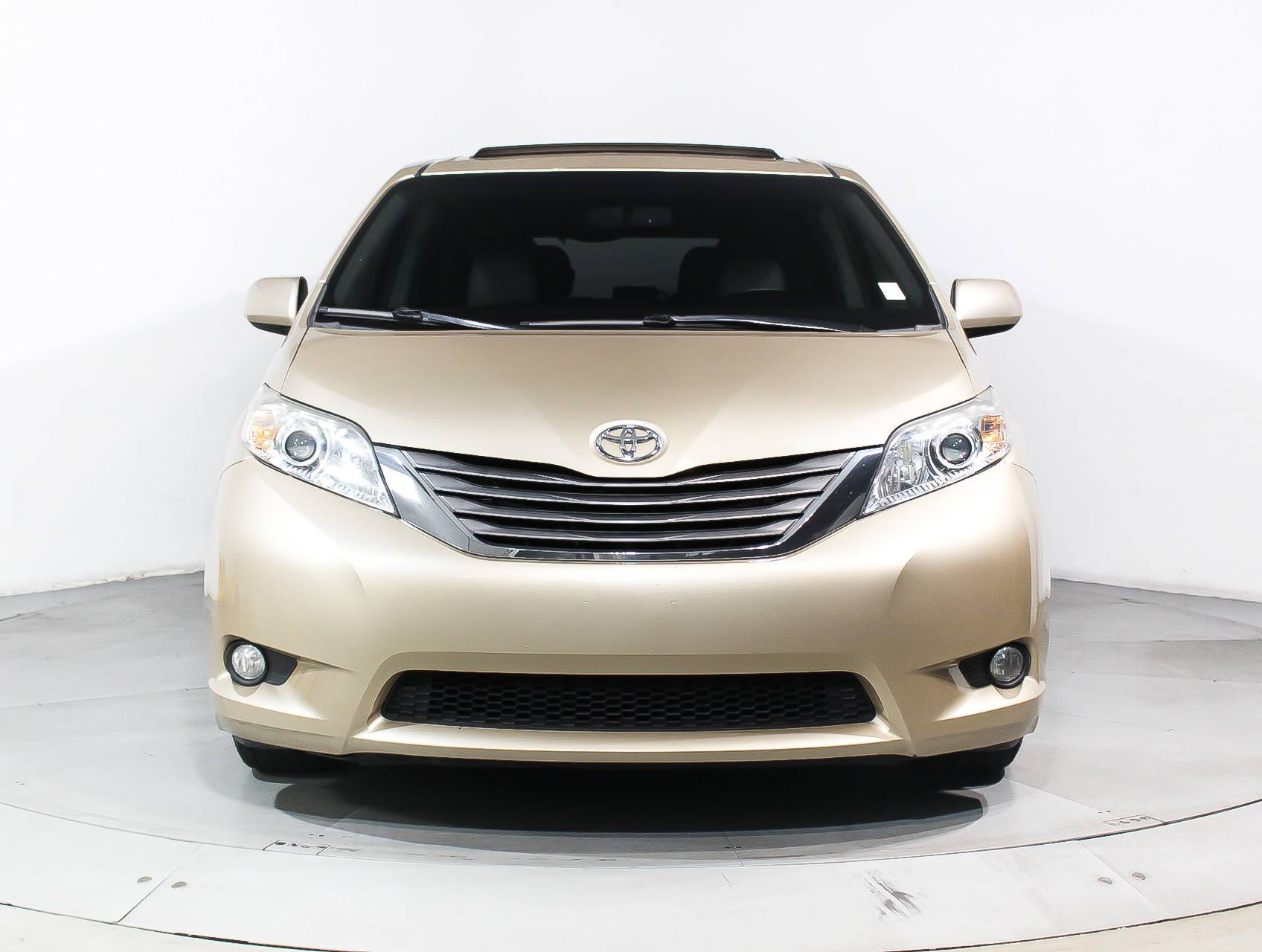 at van east sienna passenger detail toyota le fwd used