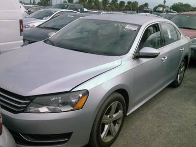 Used VOLKSWAGEN PASSAT 2012 HOLLYWOOD SE