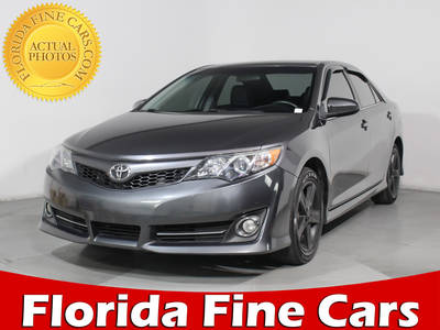 Used TOYOTA CAMRY 2014 HOLLYWOOD Se