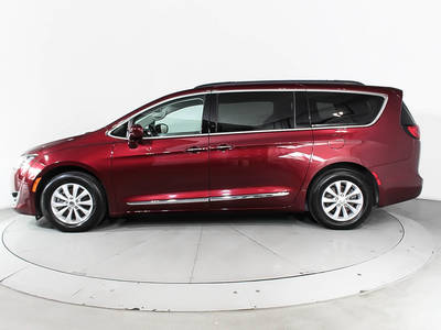 Used CHRYSLER PACIFICA 2017 HOLLYWOOD TOURING L