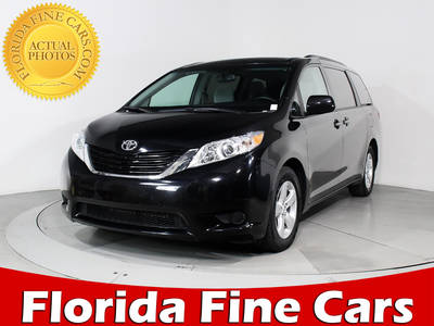 Used TOYOTA SIENNA 2017 HOLLYWOOD LE