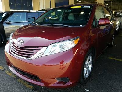 Used TOYOTA SIENNA 2017 WEST PALM Le
