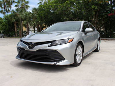 Used TOYOTA CAMRY 2018 MARGATE Le