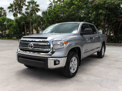 Used TOYOTA TUNDRA 2017 WEST PALM Sr5 Crewmax 4x4