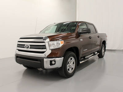Used TOYOTA TUNDRA 2017 MARGATE Sr5 Crewmax