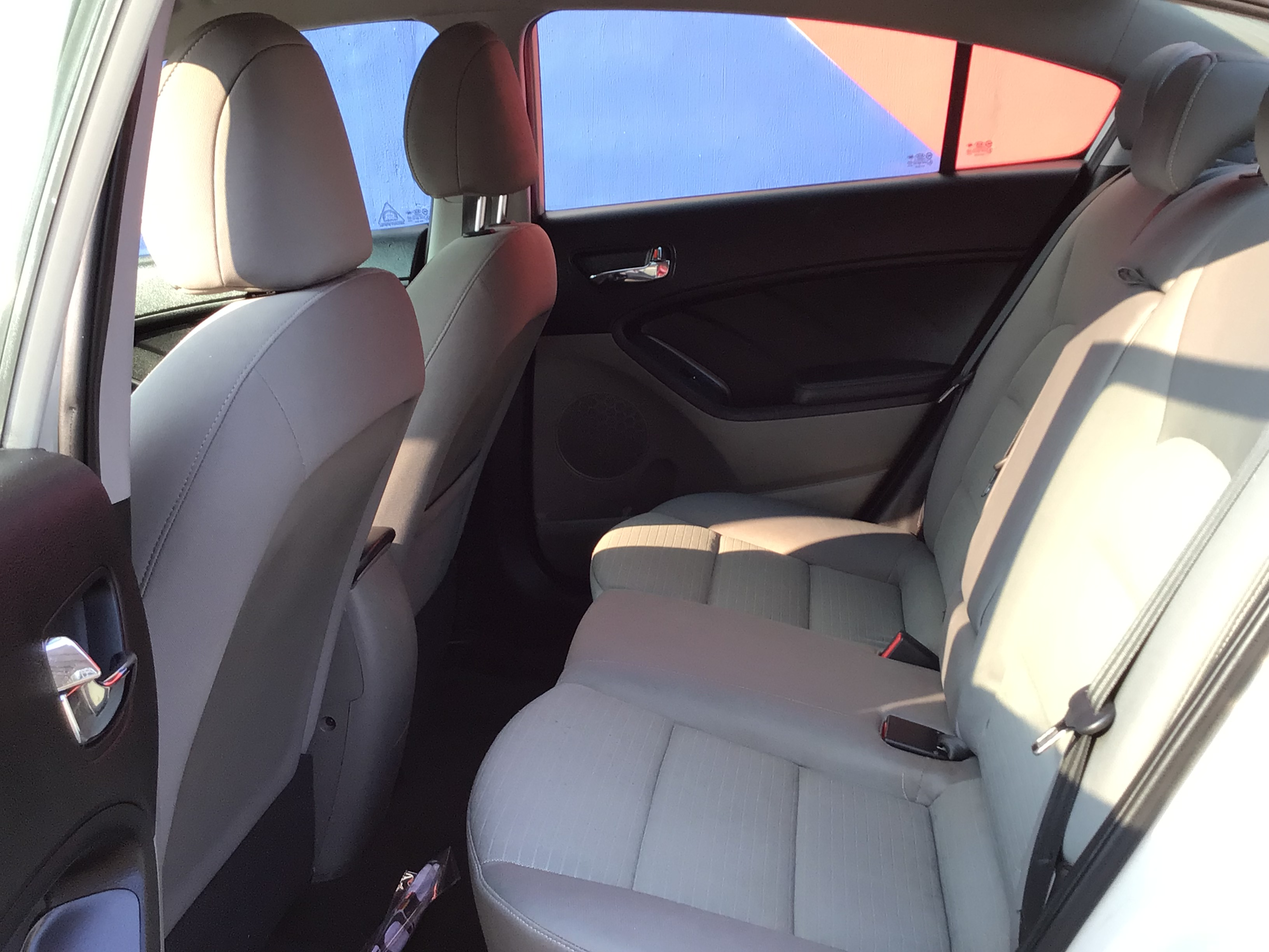used vehicle - Sedan KIA FORTE 2014