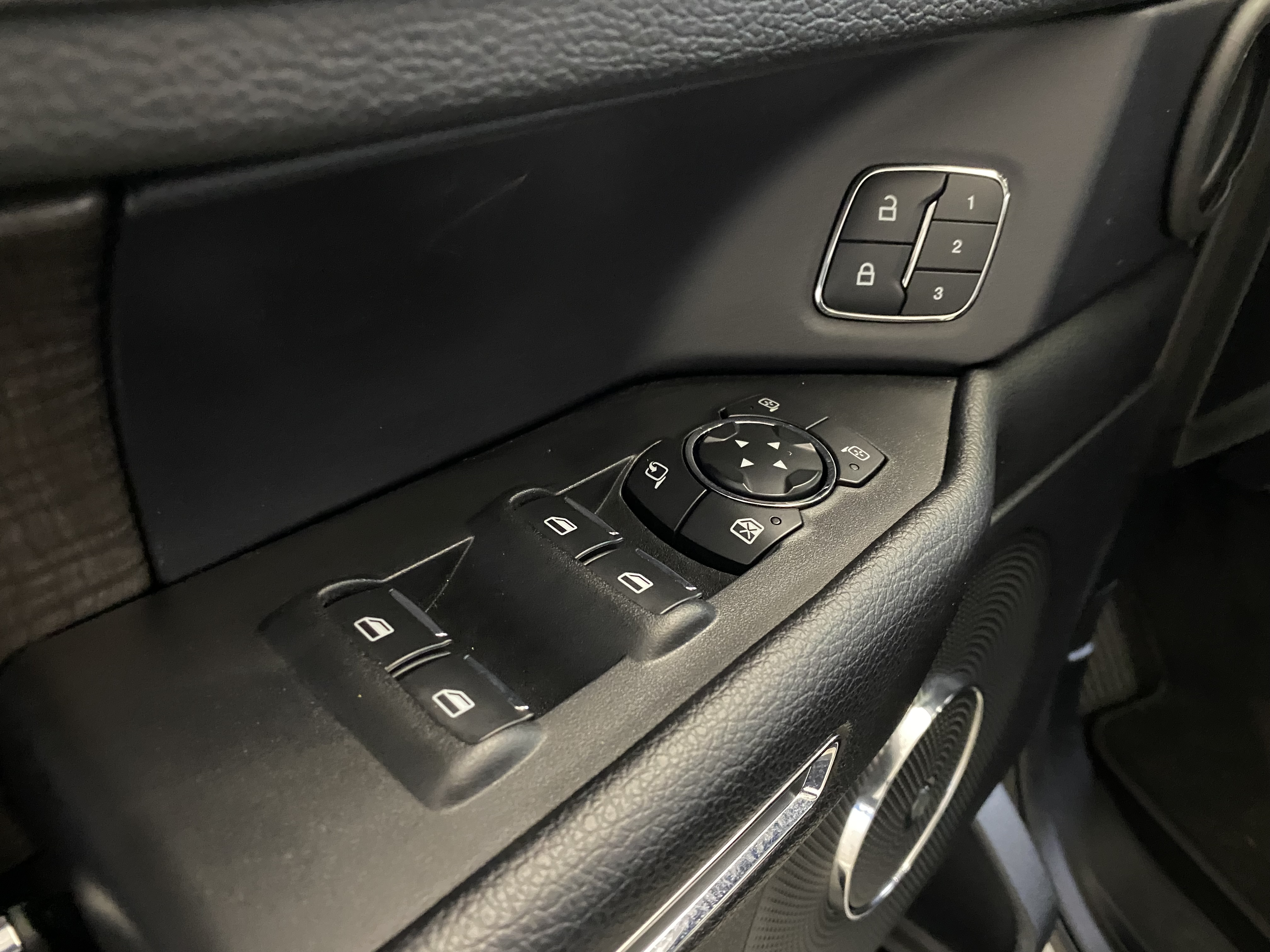Car Connection Superstore - Used vehicle - SUV FORD EXPEDITION 2020
