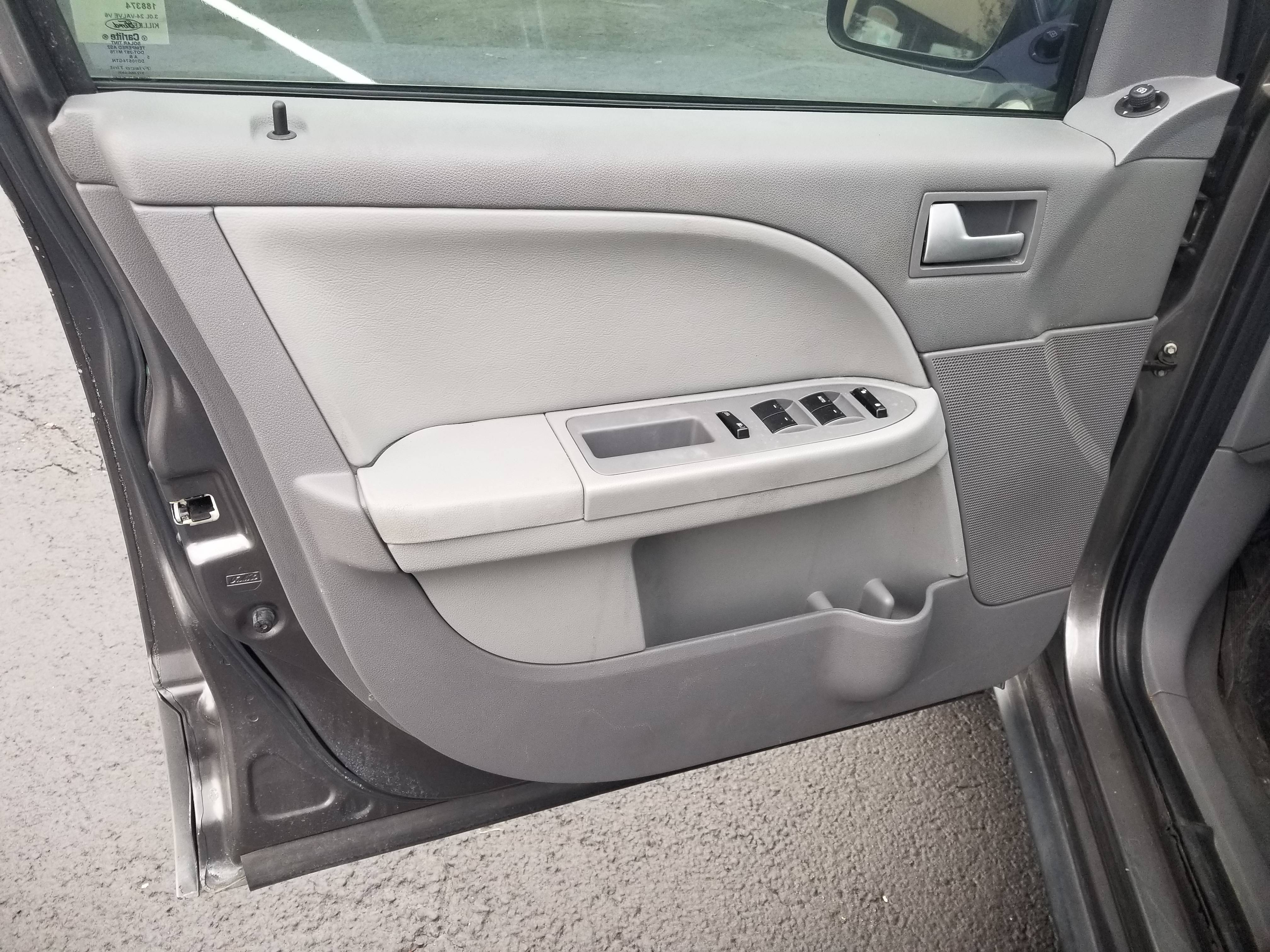 used vehicle - SUV FORD FREESTYLE 2006