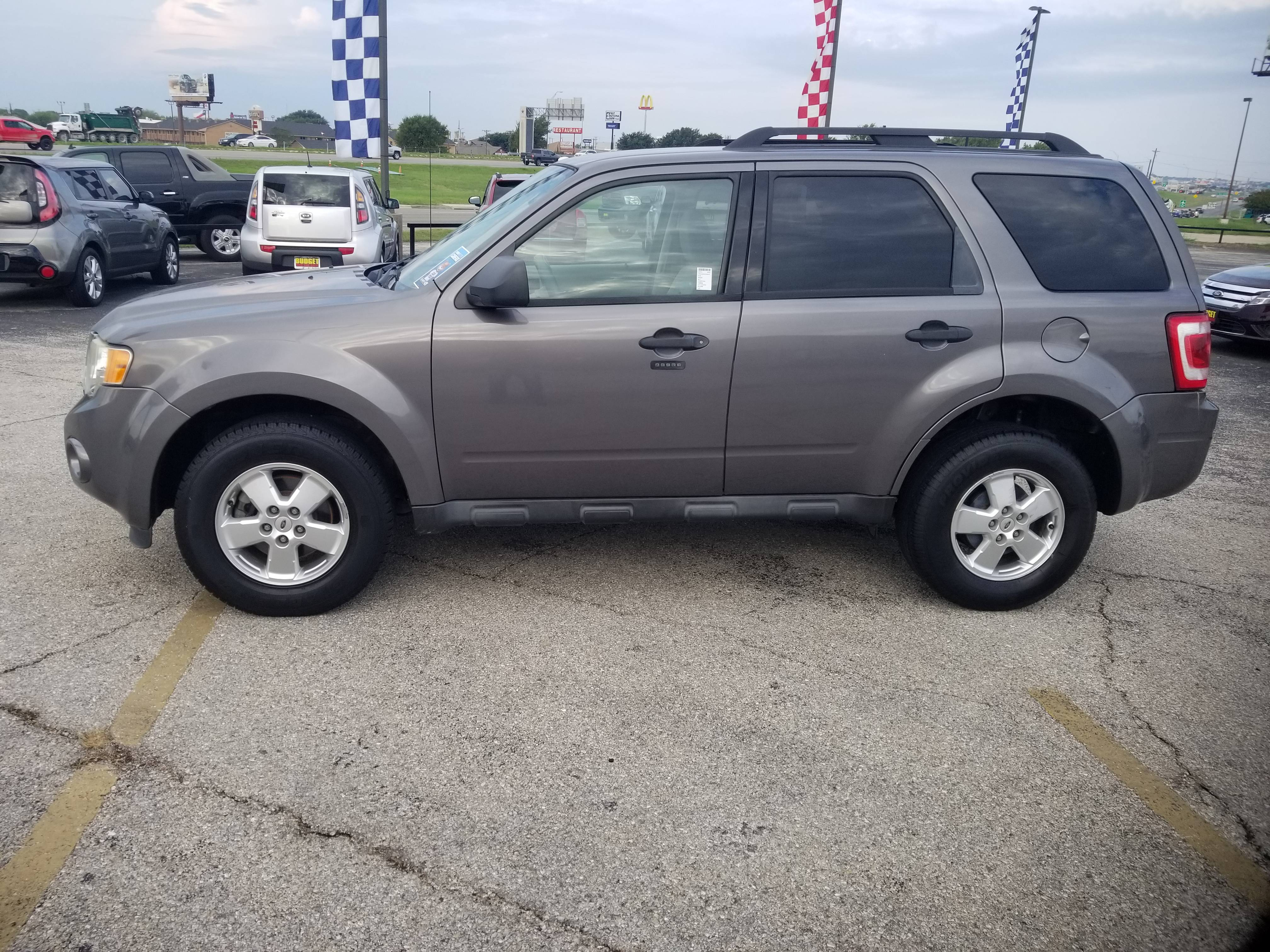 used vehicle - SUV Ford Escape 2012