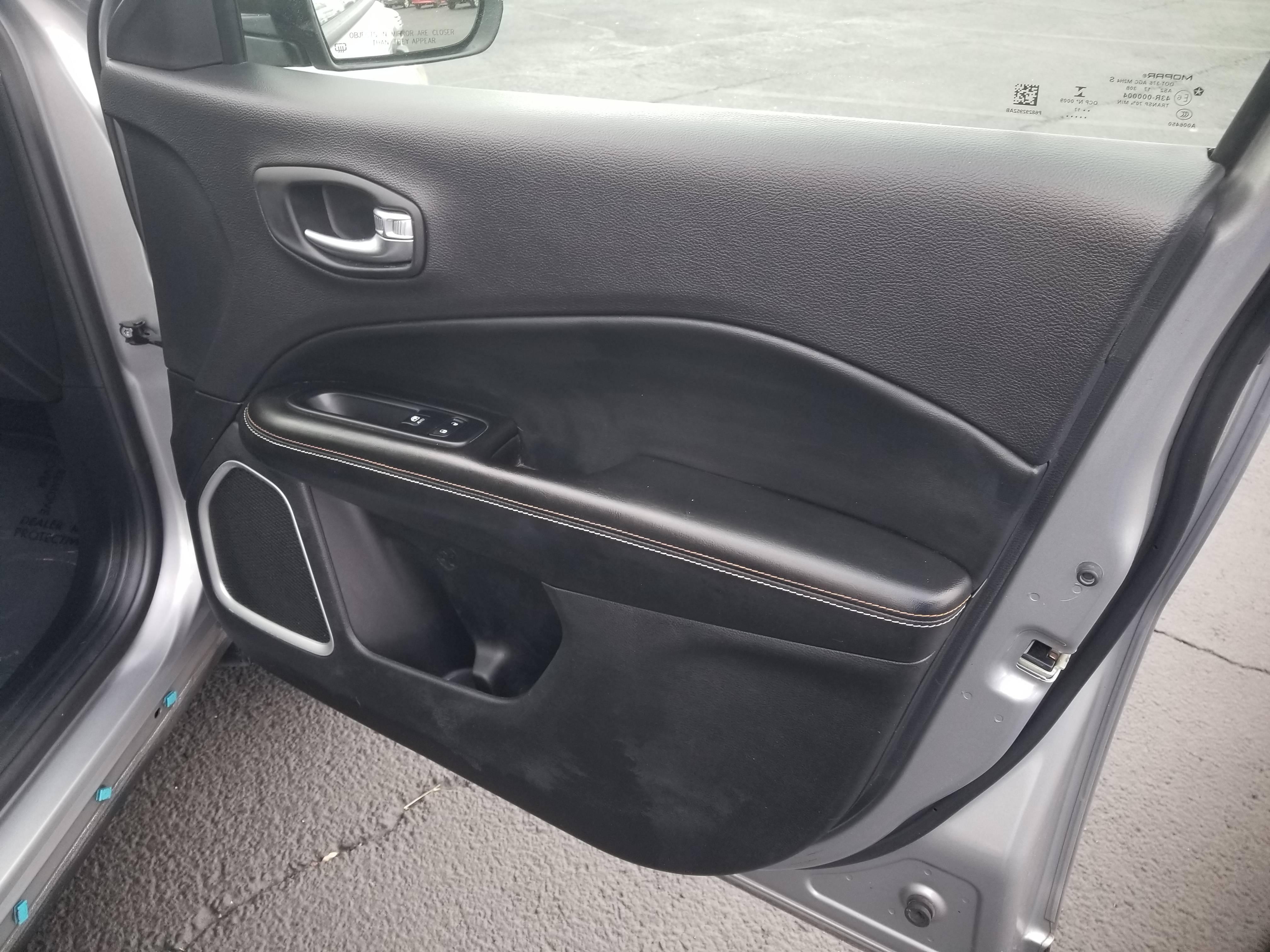 used vehicle - SUV JEEP COMPASS 2017