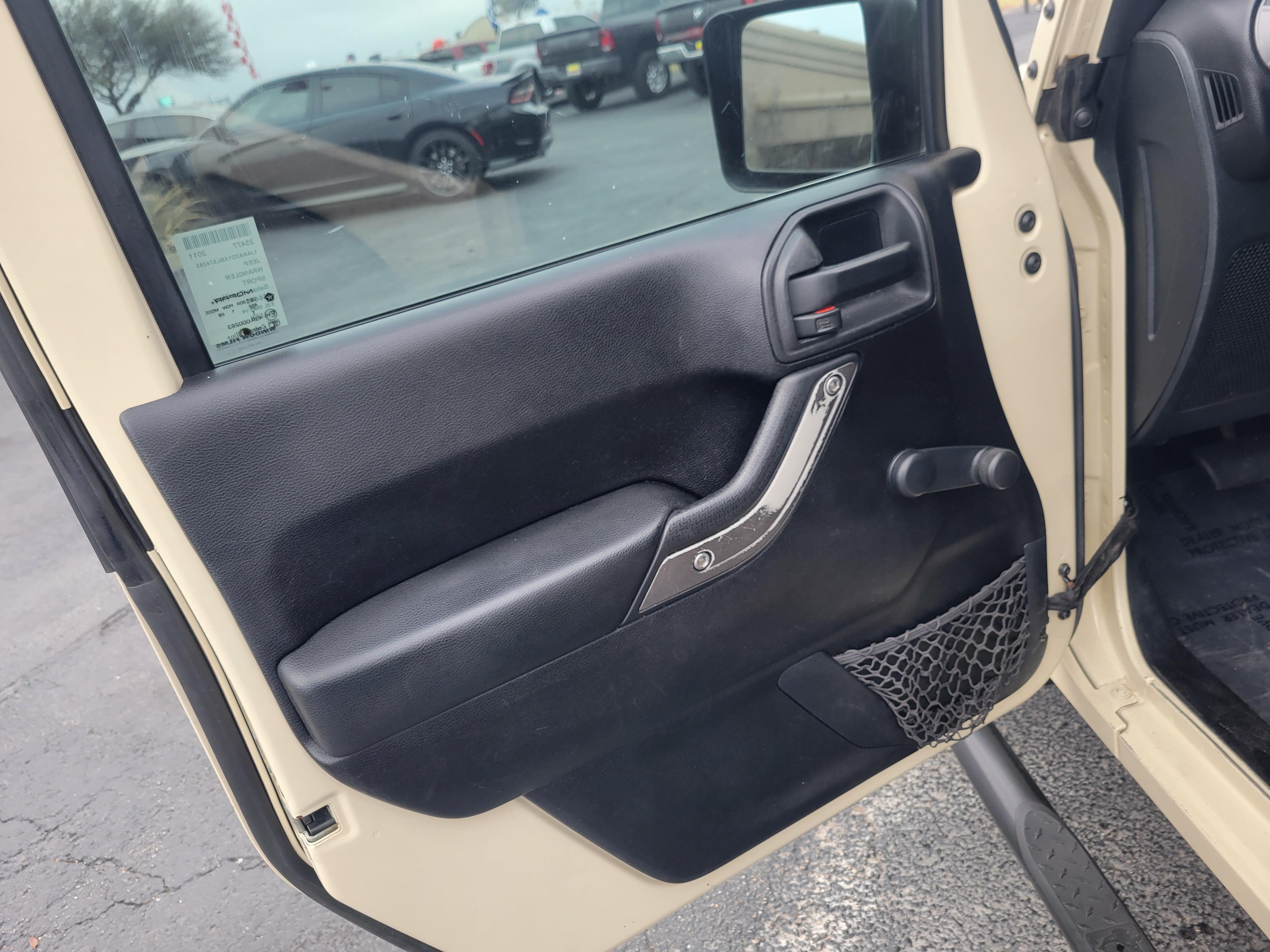 used vehicle - SUV JEEP WRANGLER 2011