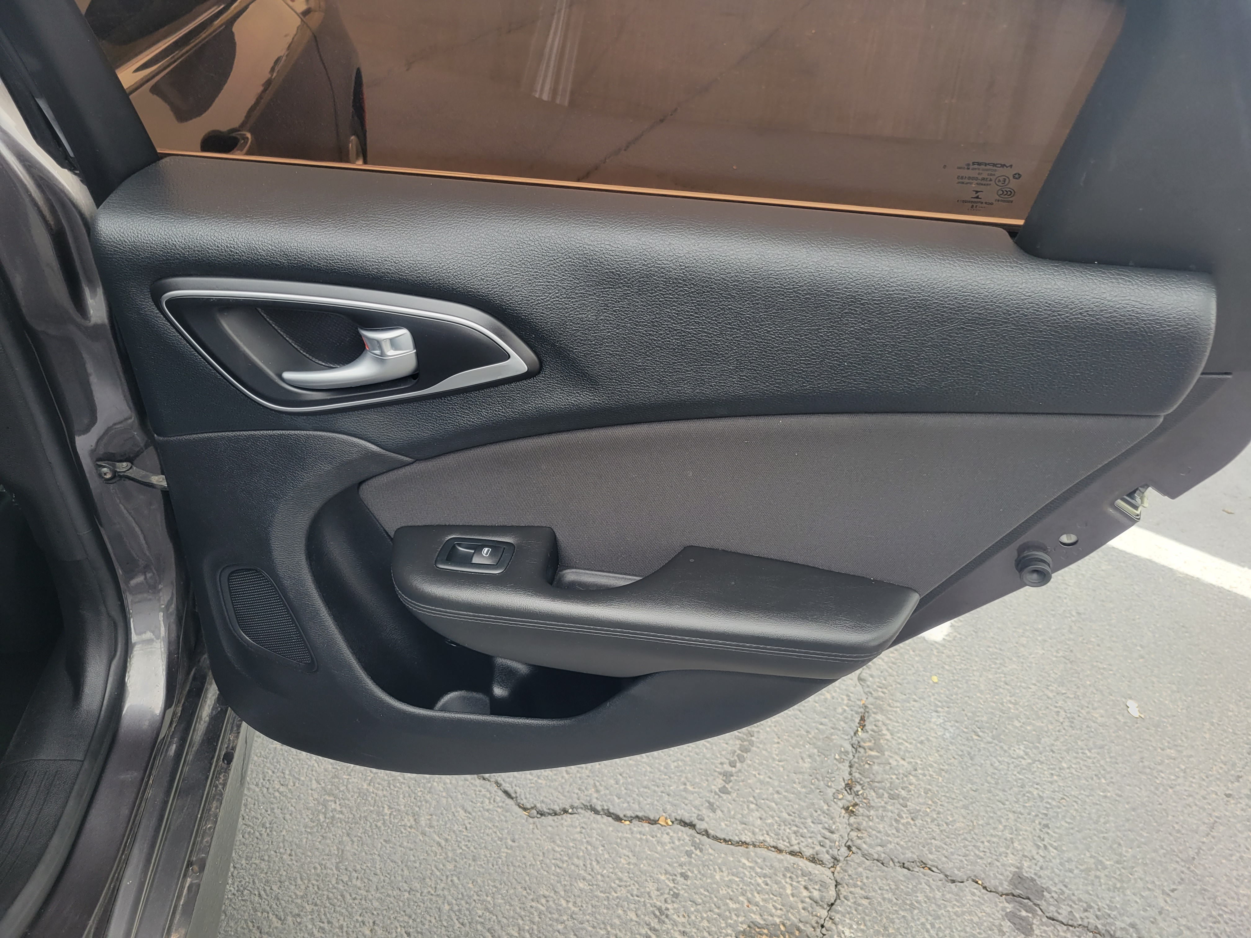 used vehicle - Sedan CHRYSLER 200 2015