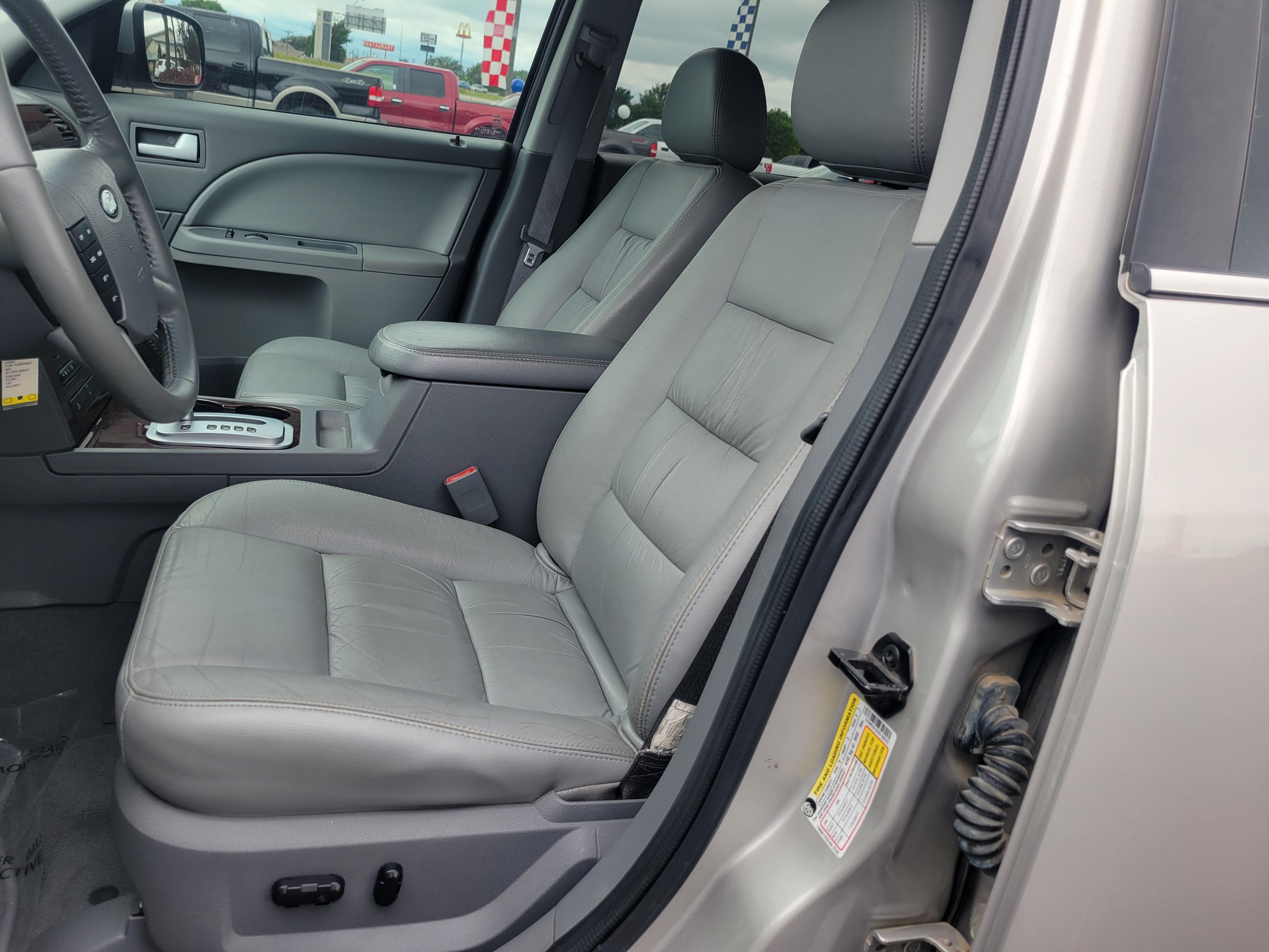 used vehicle - Sedan FORD FIVE HUNDRED 2007