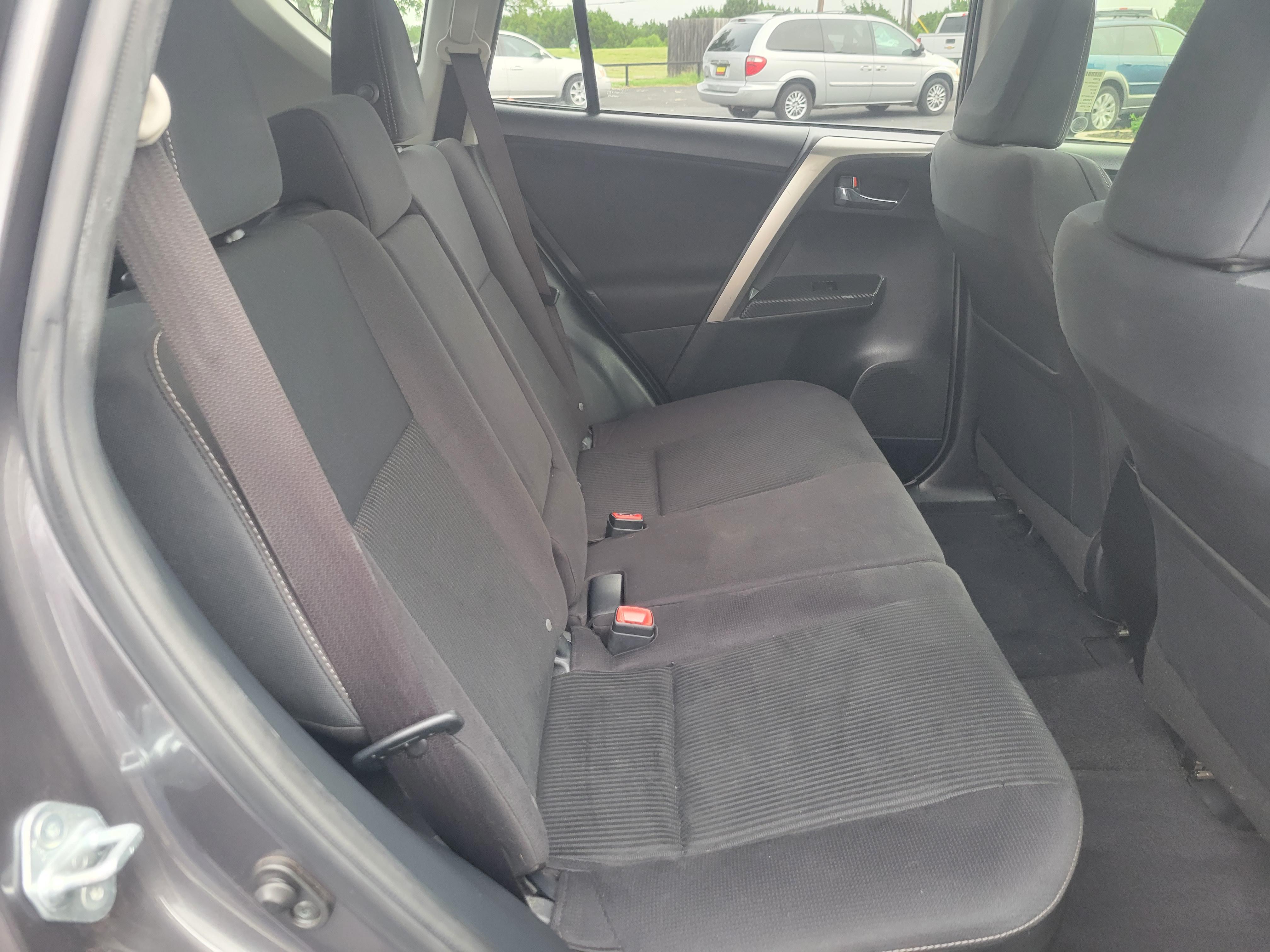 used vehicle - SUV TOYOTA RAV4 2015