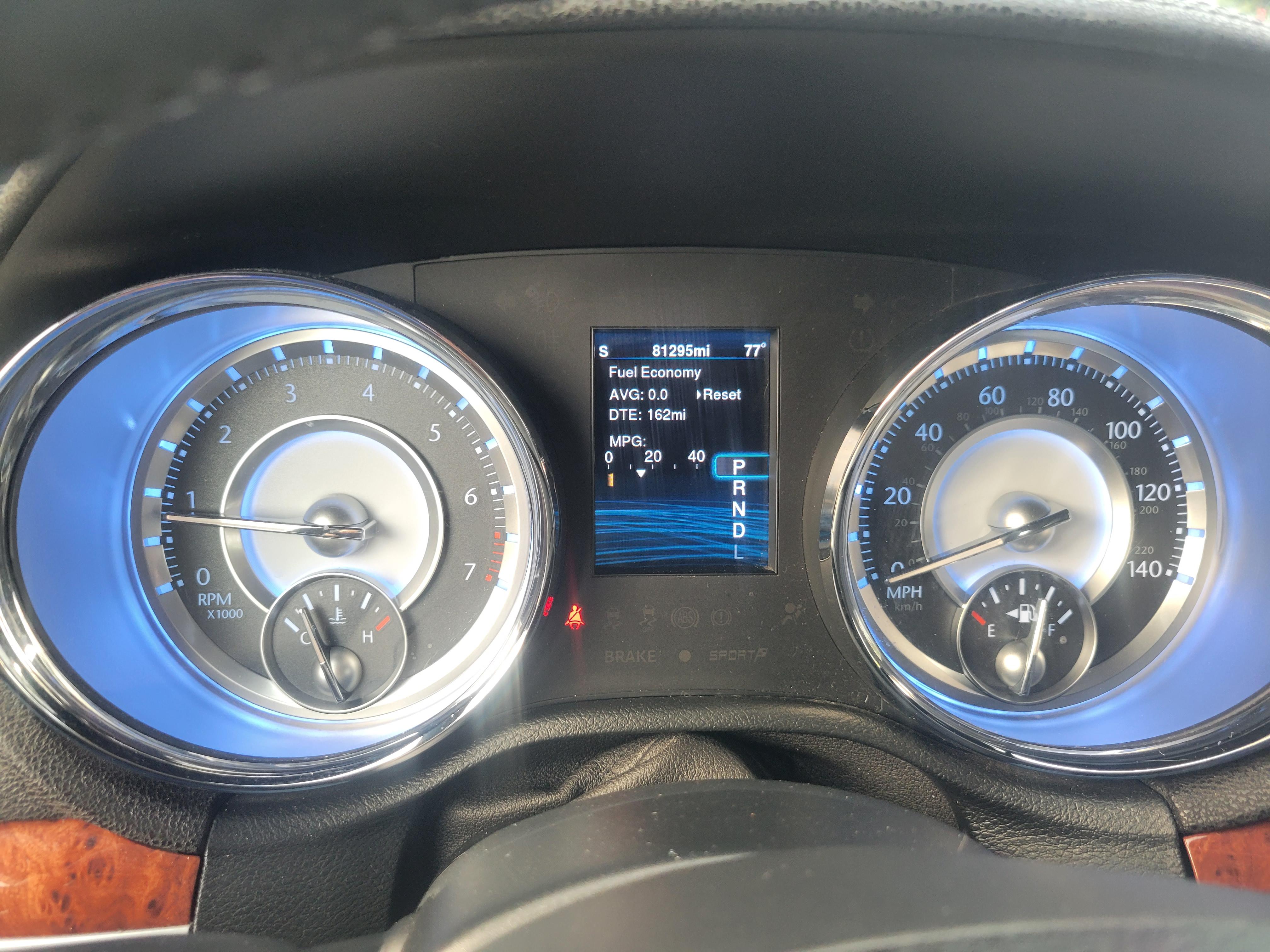 used vehicle - Sedan CHRYSLER 300 2014