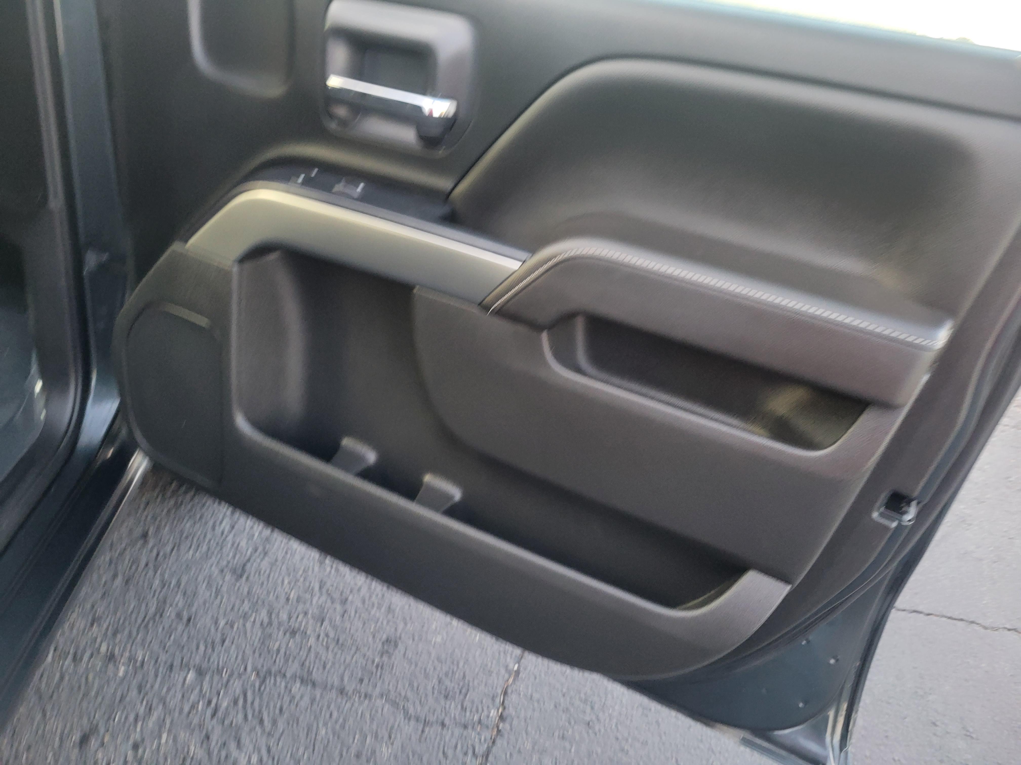 used vehicle - Truck CHEVROLET SILVERADO 1500 2017