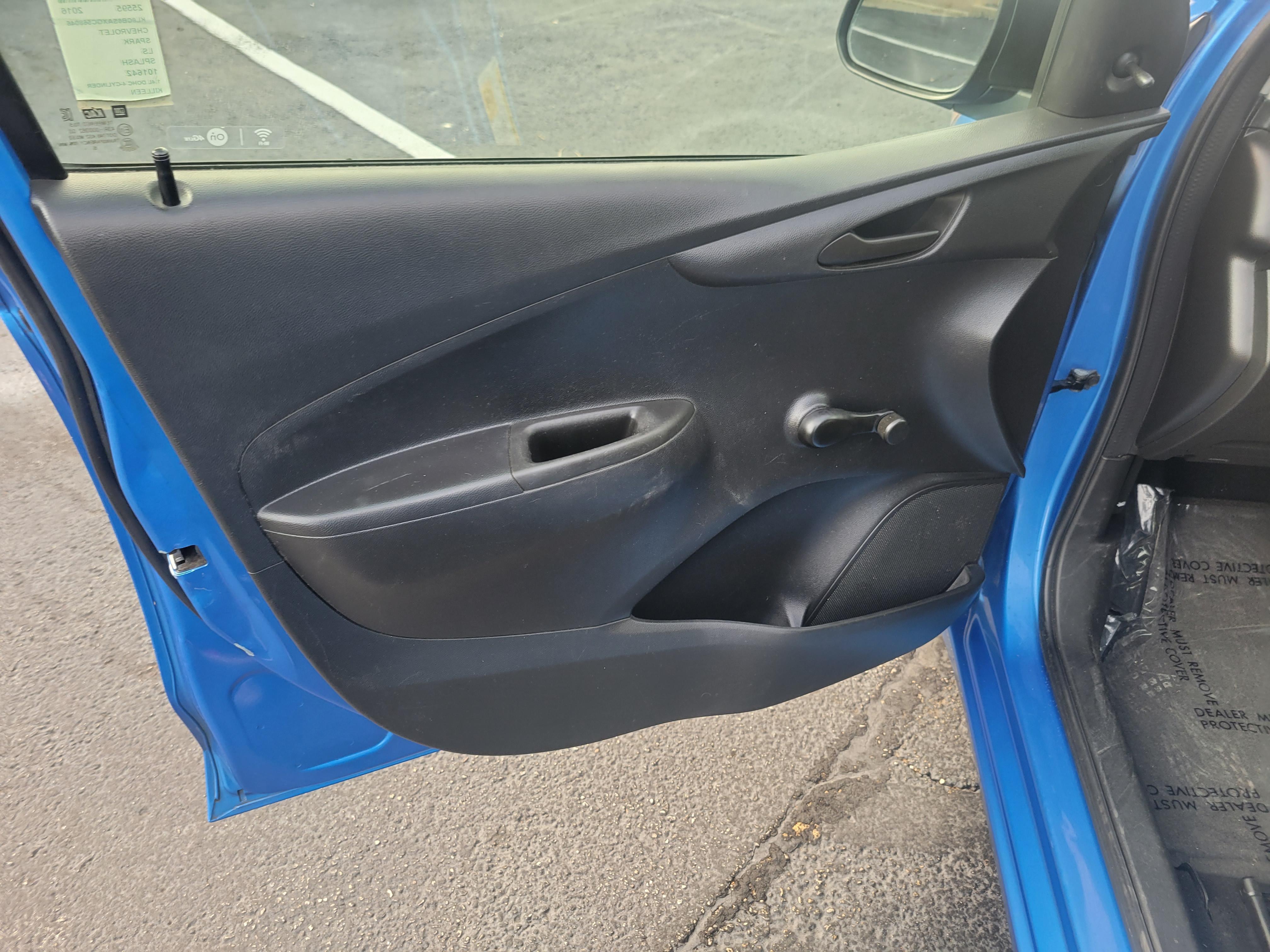 used vehicle - Sedan CHEVROLET SPARK 2016
