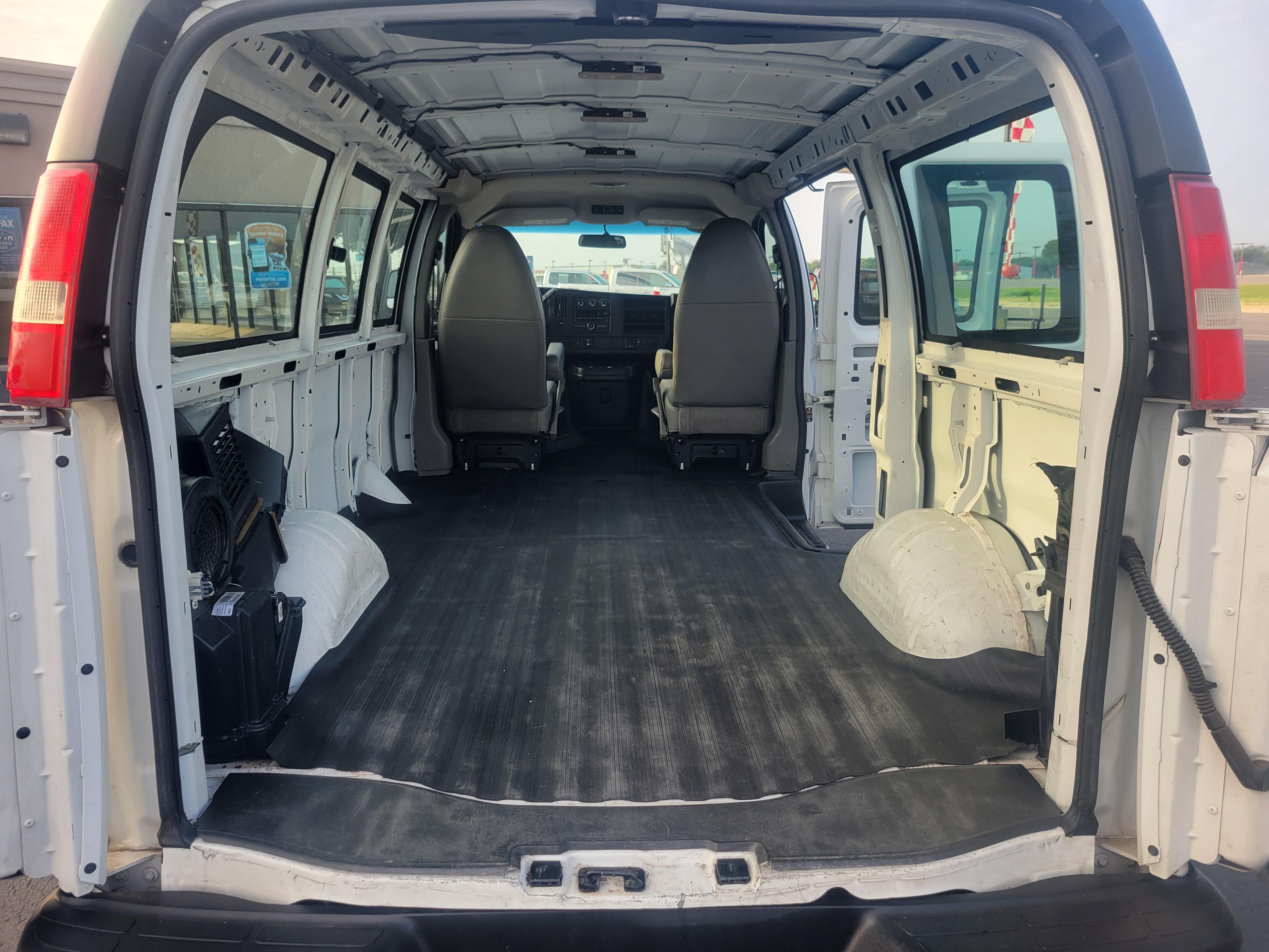 used vehicle - Cargo Van CHEVROLET EXPRESS 2015