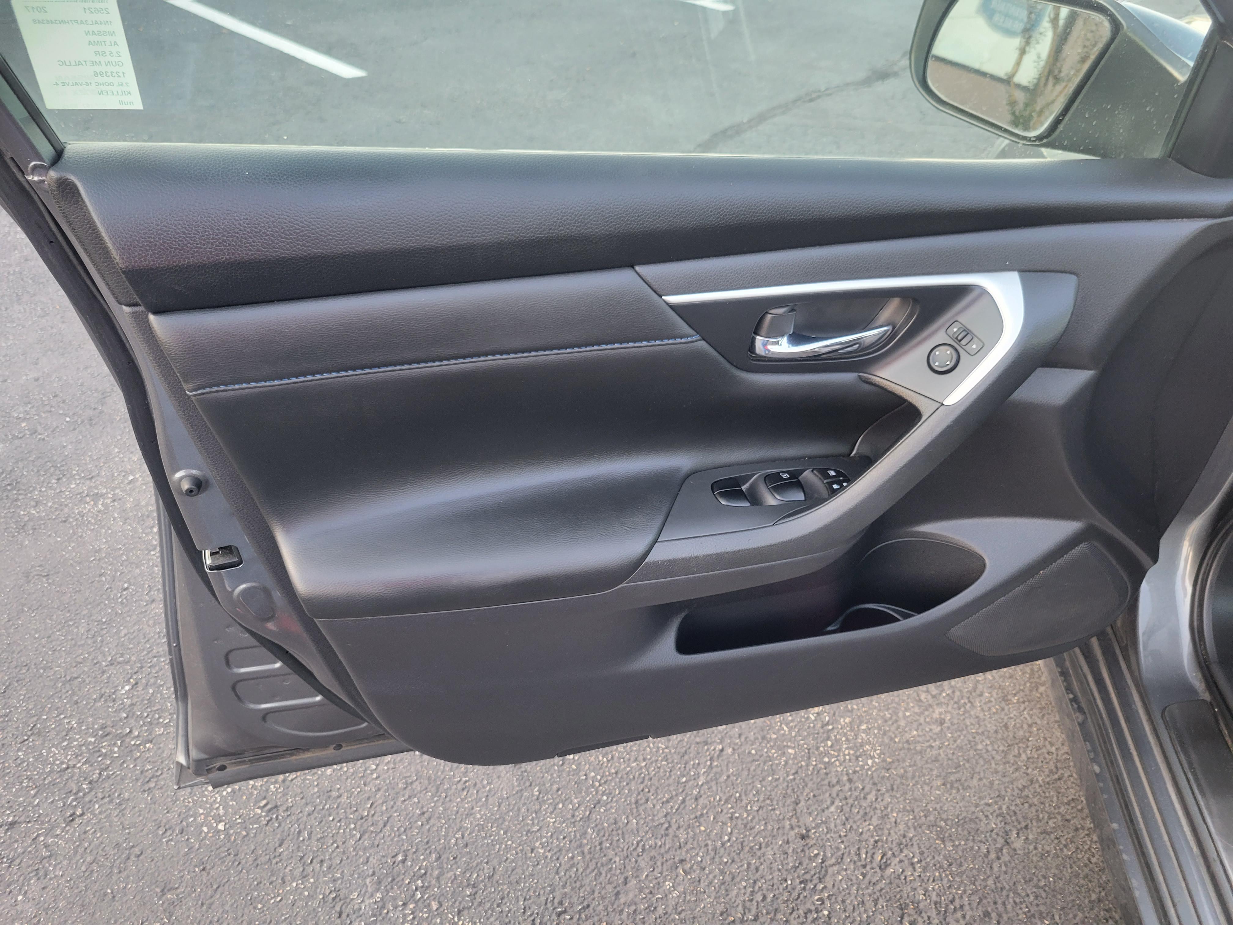 used vehicle - Sedan NISSAN ALTIMA 2017