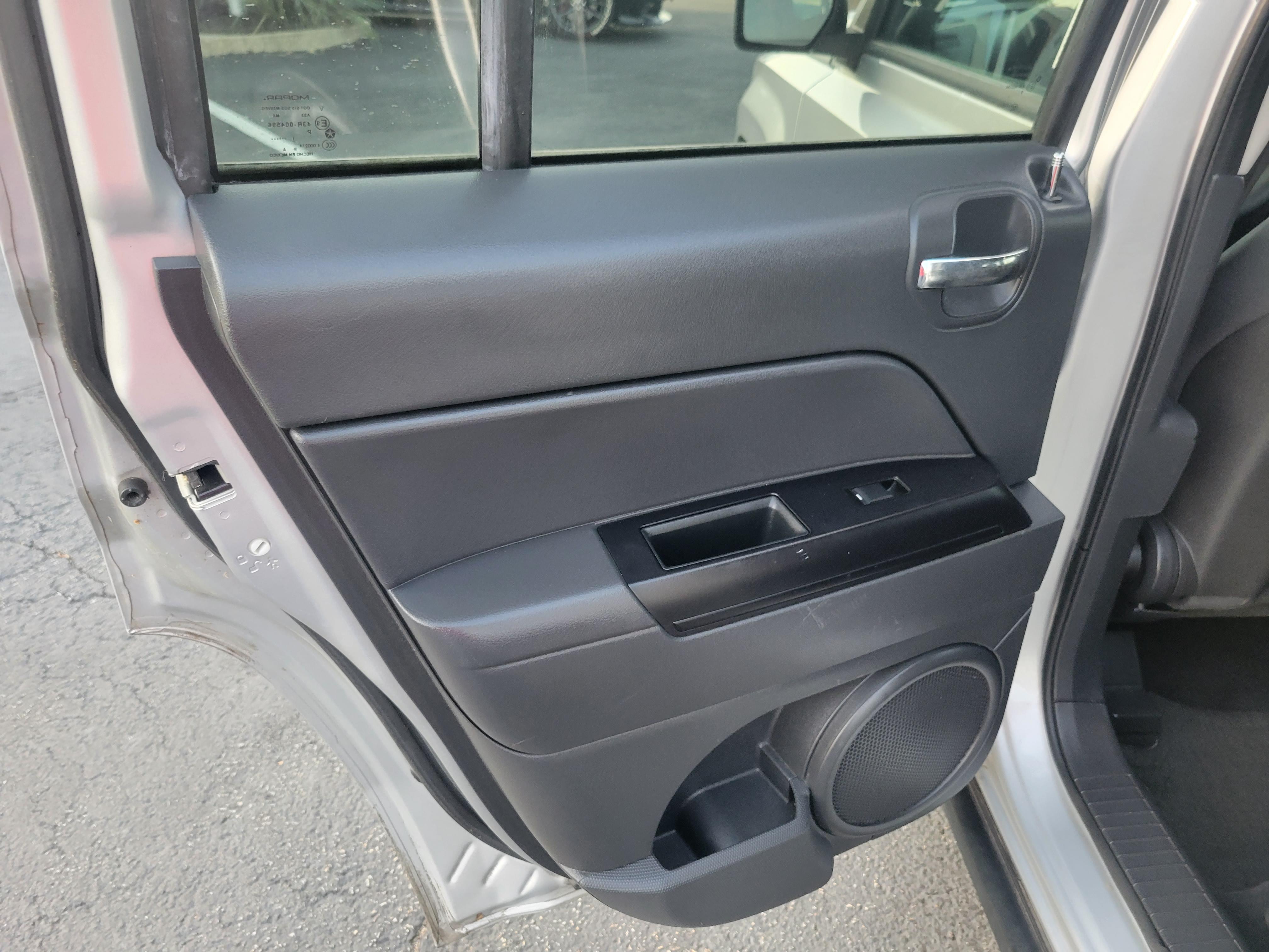 used vehicle - SUV JEEP PATRIOT 2012